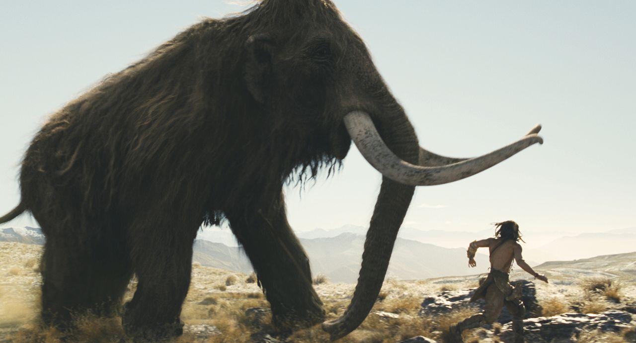 10.000 vor Christus: Der junge Jäger D'Leh (Steven Strait) will sich in der Hirarchie seines Stammes nach oben arbeiten, um das Herz seiner Angebete... - Bildquelle: Warner Brothers