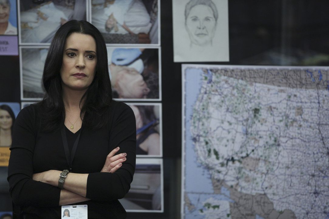 Prentiss (Paget Brewster), die inzwischen für Interpol arbeitet, wendet sich mit einer Bitte an Hotch und das BAU-Team ... - Bildquelle: Cliff Lipson ABC Studios