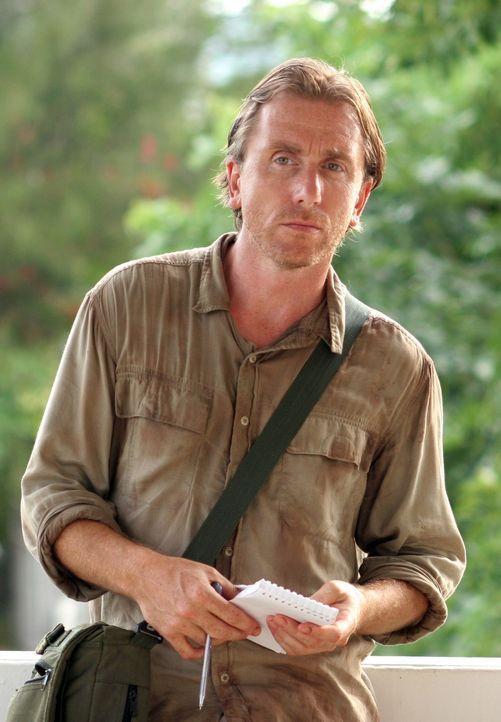 Als der Reporter Nick (Tim Roth) in Pukhet ankommt, ahnt er nicht, dass überall nur Tod und Verwüstung herrschen ... - Bildquelle: Kerry Brown 2006 Home Box Office Inc. All Rights Reserved.
