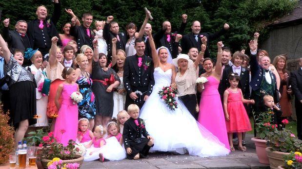 Die perfekte Hochzeit! - (4. Staffel) - Welche Braut trägt das schönste Kleid...