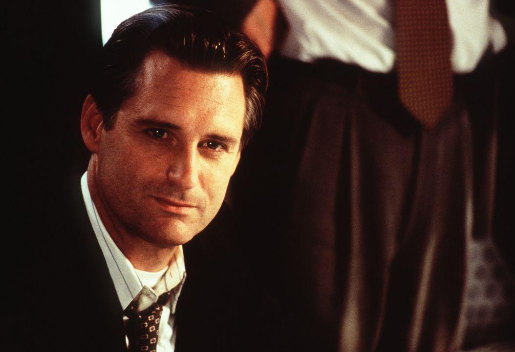 In der Stunde der größten Not muss selbst der mächtigste Mann der Welt, der US-Präsident Whitmore (Bill Pullman), tatenlos mit ansehen, wie die Auße... - Bildquelle: 20th Century Fox Film Corporation