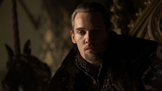 Ist wieder unverheiratet und denkt darüber nach, wie er seine Dynastie fortfü...