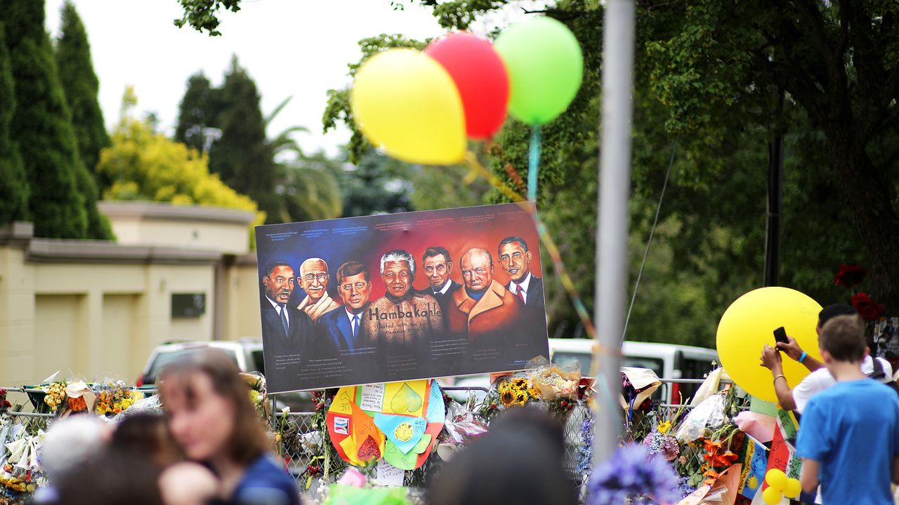 Beerdigung-Nelson-Mandela-13-12-10-06-AFP - Bildquelle: AFP