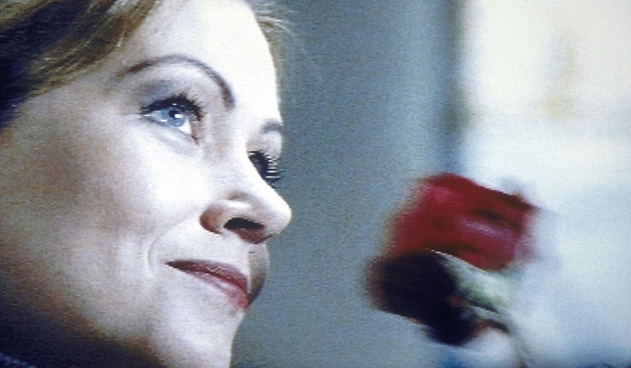 Lisa (Jennifer Nitsch) ist mit Leib und Seele Polizistin. Eines Tages muss sie eine Reihe bestialischer Mordfälle aufklären ... - Bildquelle: Meier