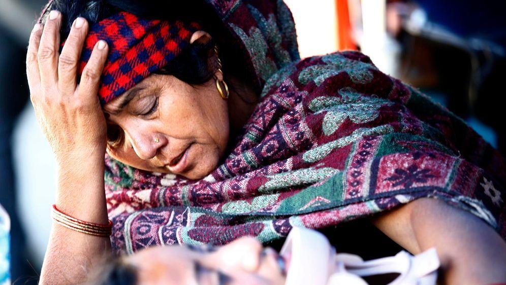 Hilfe für die Erdbebenopfer in Nepal - Bildquelle: dpa