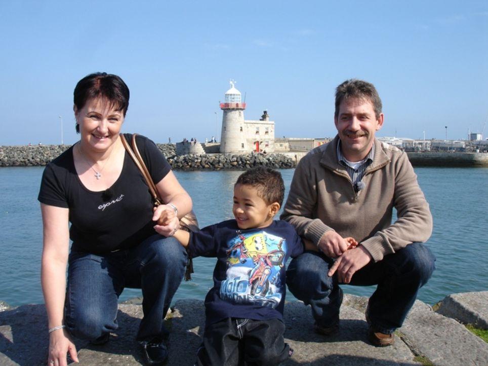 Bratwurst als Chance - Familie Murawski-Nowak hoffen auf eine bessere Zukunft in Irland ... - Bildquelle: kabel eins