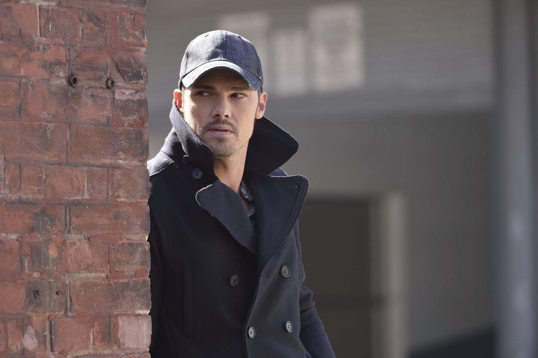 Gabe stellt ein Einsatzkommando zusammen, um Vincent (Jay Ryan) hinter Gitter zu bringen. Doch Vincent lässt sich so leicht nicht fangen ... - Bildquelle: 2013 The CW Network, LLC. All rights reserved.