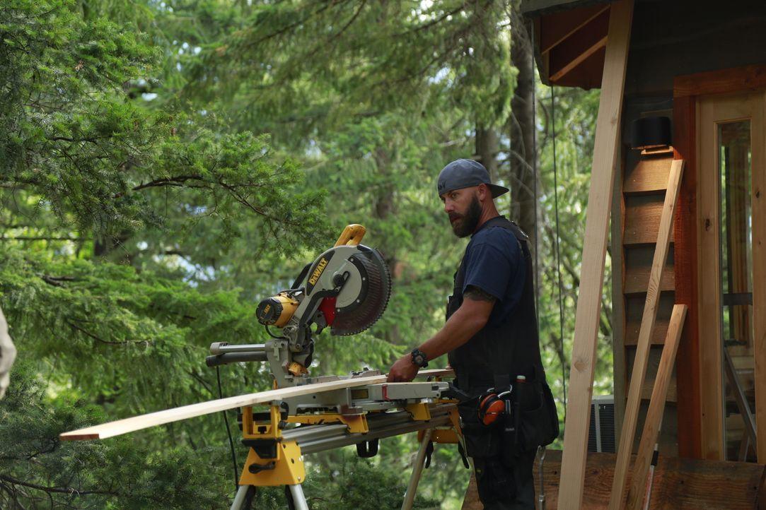 Ist begeistert von dem riesigen Grundstück in Washington und freut sich, dort ein Baumhaus zu bauen: Ka-V ... - Bildquelle: 2016,DIY Network/Scripps Networks, LLC. All Rights Reserved