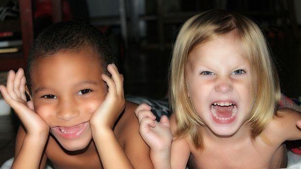 Kinder Hautfarbe Nationalität_Pixabay
