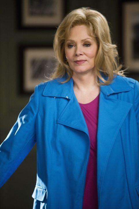 Als Regina (Jean Smart) herausfindet, dass Howard eine Anhalterin im Wohnmobil mitgenommen hat, wir sie rasend vor Eifersucht ... - Bildquelle: 2008 American Broadcasting Companies, Inc. All rights reserved.