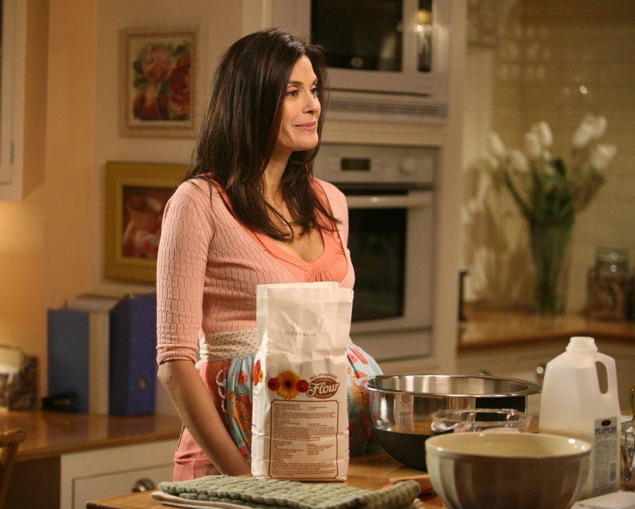 Mikes Mutter ist zu Besuch und beschwert sich lautstark über Susans (Teri Hatcher) Fähigkeiten als Hausfrau, was nicht ohne Folgen bleibt ... - Bildquelle: ABC Studios