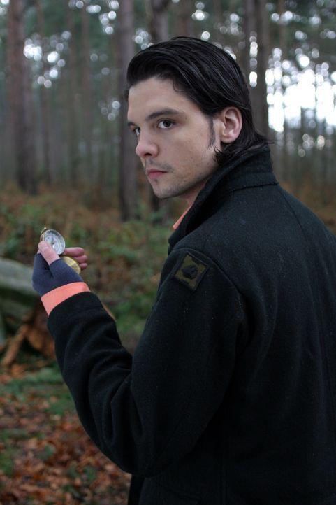 Auf Monsterjagd: Connor (Andrew Lee Potts) ... - Bildquelle: ITV Plc