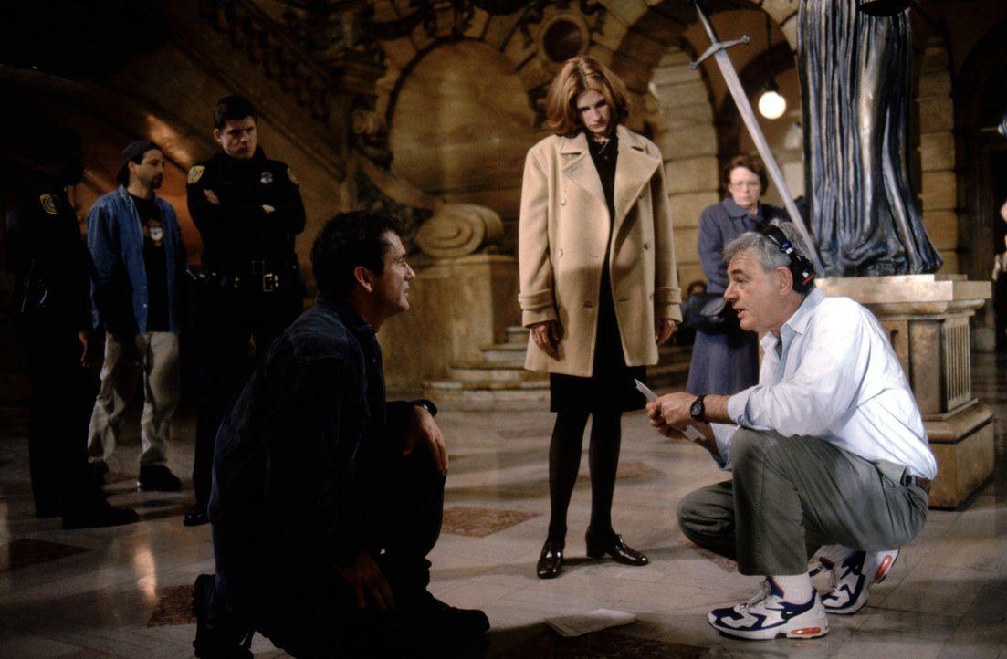 """Am Set von """"Fletcher's Visionen"""" (v.l.n.r.): Mel Gibson, Julia Roberts, Richard Donner. - Bildquelle: Warner Bros. Pictures"""