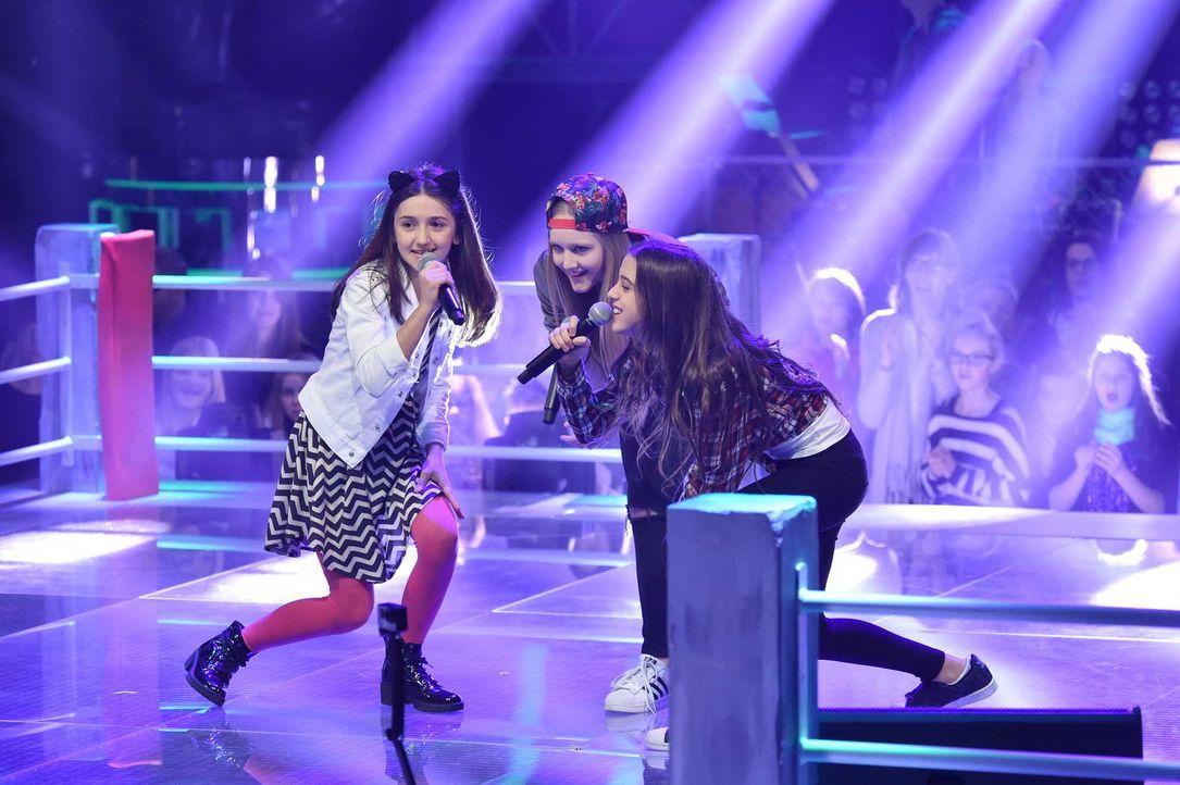 The-Voice-Kids-Stf04-Epi06-Battles-Sanie-Anne-Maria-SAT1-André-Kowalski-TEASER - Bildquelle: © SAT.1 / André Kowalski