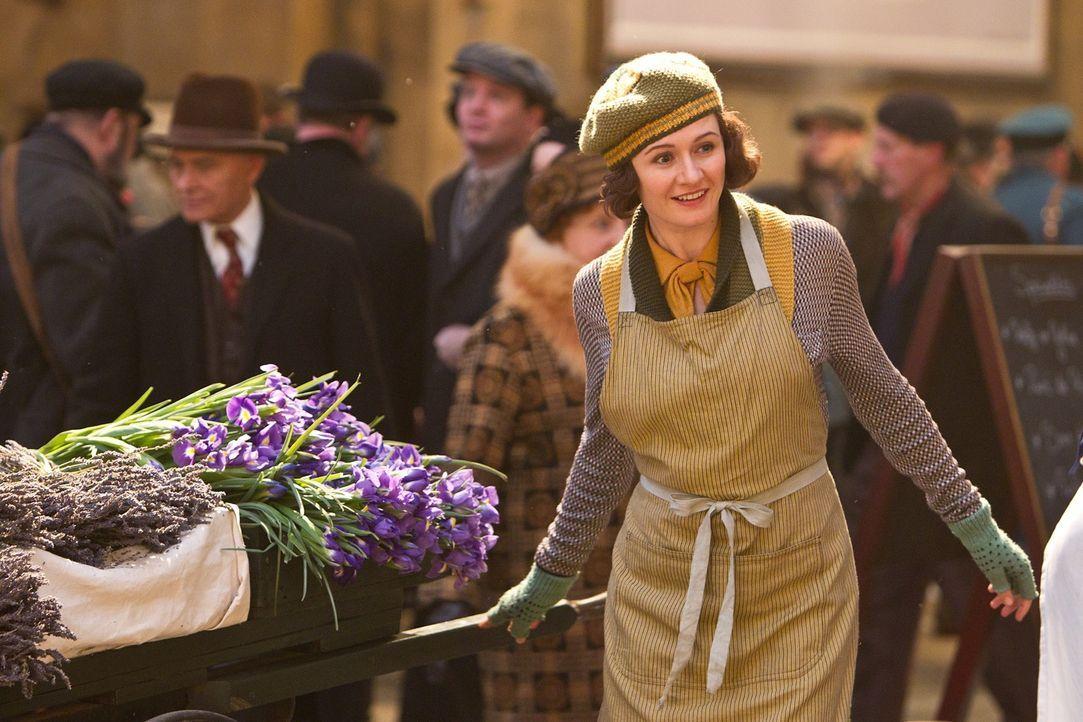 Blumenverkäuferin Lisette (Emily Mortimer) ahnt nicht, dass sie seit langer Zeit einen Verehrer im Bahnhof hat: den unliebenswürdigen Bahnhofvorsteh... - Bildquelle: Jaap Buitendijk 2011 GK Films.  All Rights Reserved.