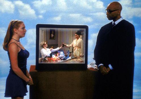 Sabrina - Sabrina (Melissa Joan Hart, l.) steht vor dem Vormundschaftsgericht...