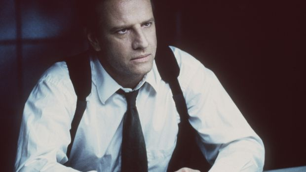 Detective Prudhomme (Christopher Lambert) findet heraus, dass alle dem Serien...