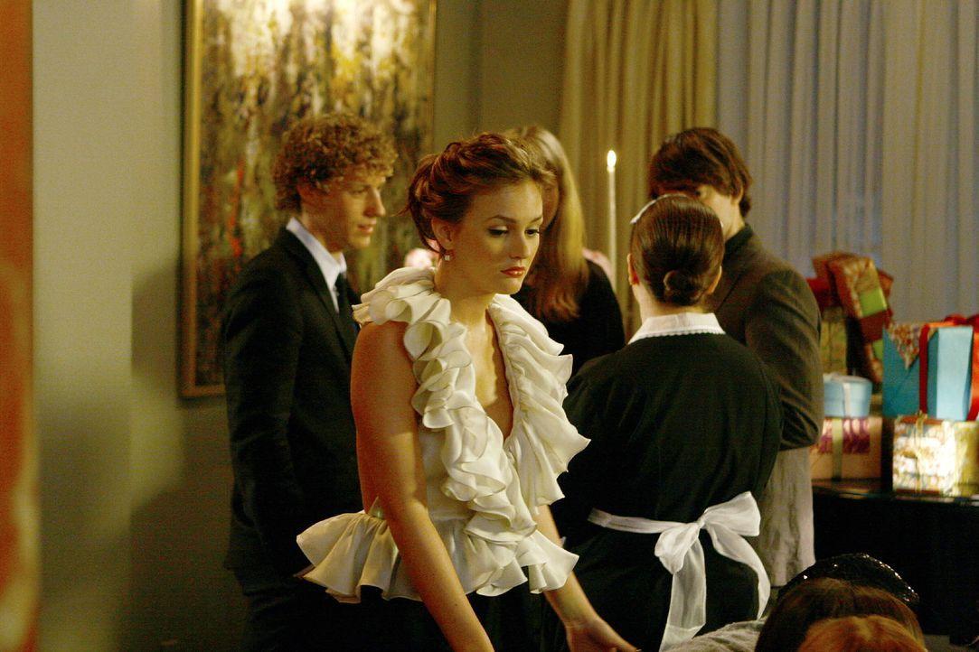 Blair (Leighton Meester) plagt das schlechte Gewissen, weil sie Cyrus vertrieben hat ... - Bildquelle: Warner Brothers