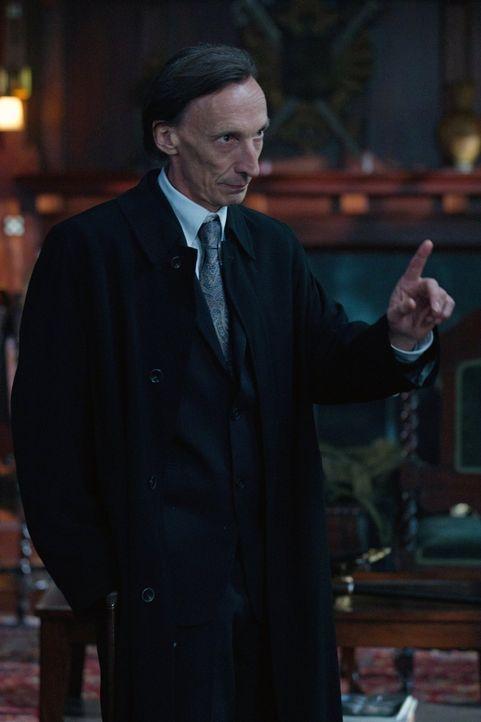 Wird der Tod (Julian Richings) den Winchester-Brüder zu Hilfe kommen? - Bildquelle: Warner Bros. Television