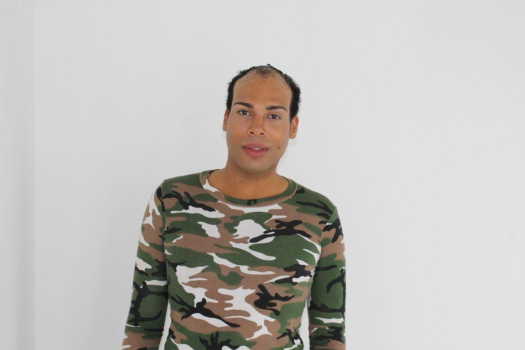Der 26-jährige Romarni leidet unter Haarausfall. Nun hofft er auf die Hilfe der Body Fixers ... - Bildquelle: Studio Lambert & all3media Int.