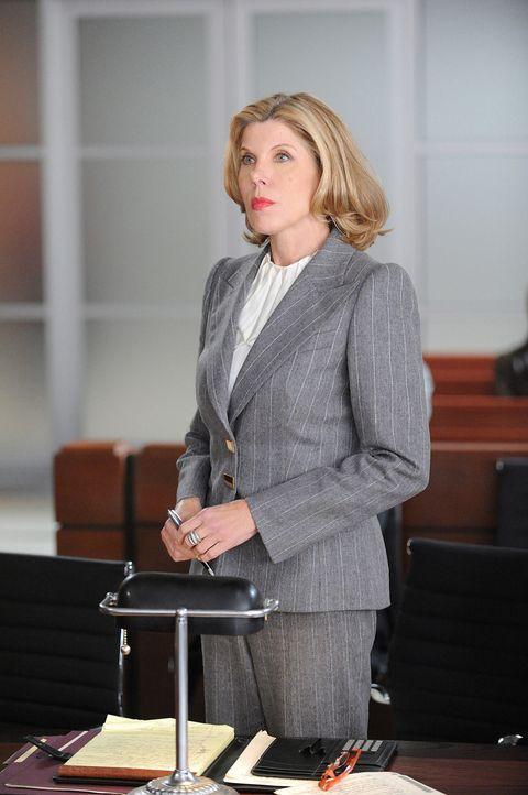 Muss sich wohl oder übel eine neue Strategie für den aktuellen Fall ausdenken: Diane Lockhart (Christine Baranski) - Bildquelle: 2010 CBS Broadcasting Inc. All Rights Reserved.