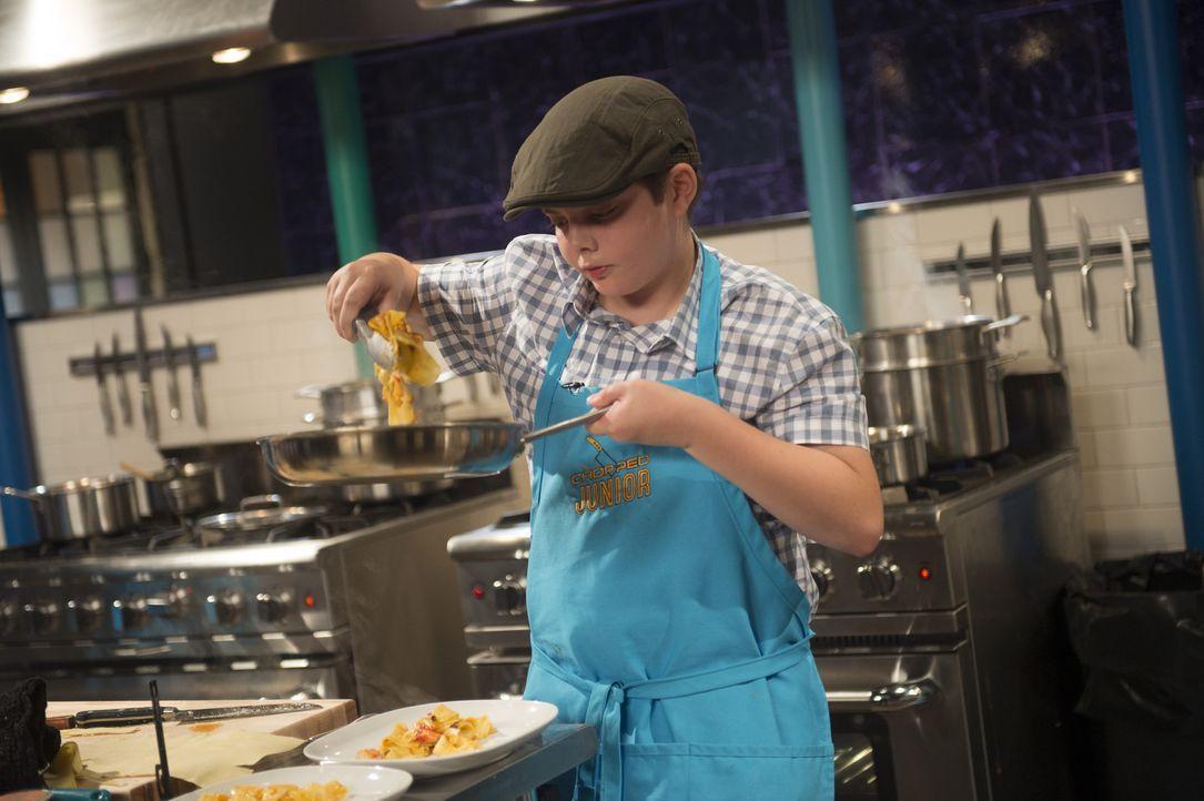 Henry nimmt das Kochen sehr ernst: Aber wie wird die Pasta-Kreation des kleinen Küchen-Meisters bei der Jury ankommen? - Bildquelle: Scott Gries 2015, Television Food Network, G.P. All Rights Reserved