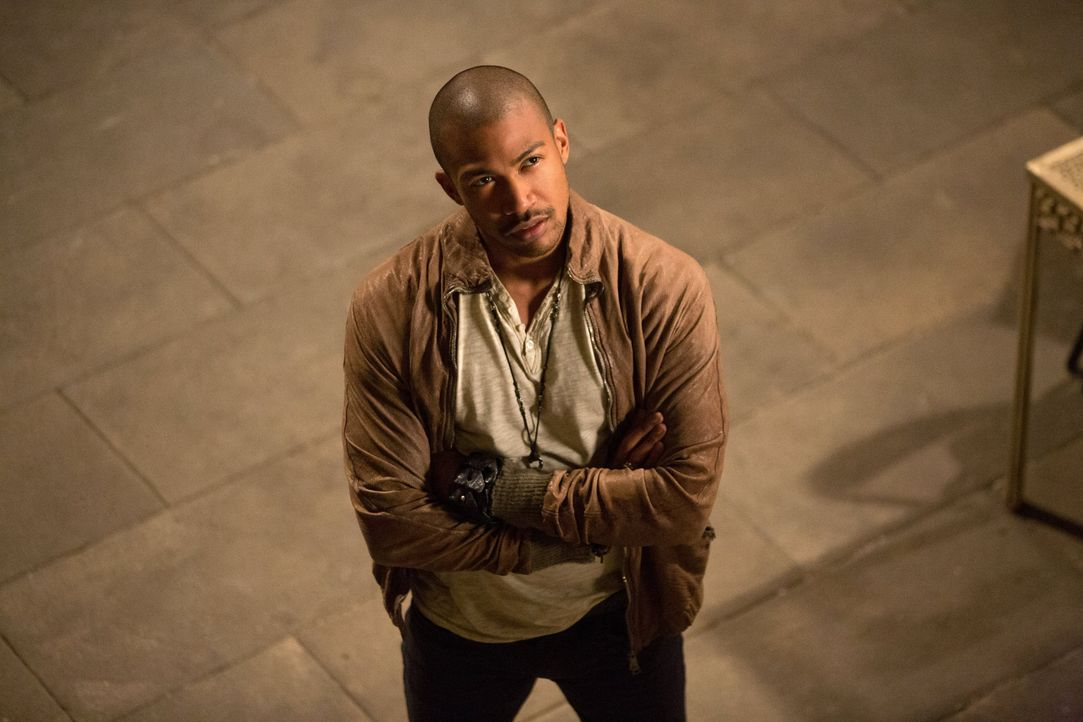 Marcel trifft auf Klaus - Bildquelle: Warner Bros. Entertainment Inc.