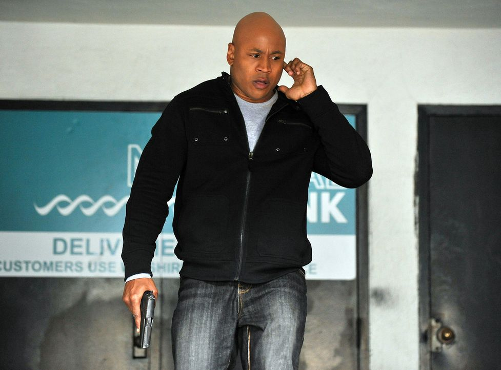 Special Agent Sam Hanna (LL Cool J) und seine Kollegen beginnen in einem Fall zu ermitteln, bei dem in  Bagdad ein Konvoi mit fünf Millionen Dollar... - Bildquelle: CBS Studios Inc. All Rights Reserved.