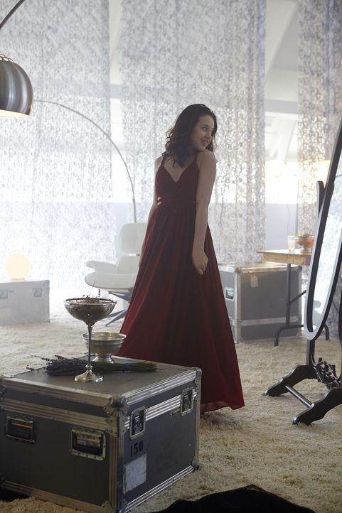 Die letzten Vorbereitungen: Savannah (Kiara Glasco) soll das Unmögliche wahr machen ... - Bildquelle: 2015 She-Wolf Season 2 Productions Inc.