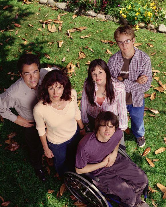 (1. Staffel) - Familie Girardi: Will (Joe Mantegna, l.), Helen (Mary Steenburgen, 2.v.l.), Luke (Michael Welch, r.) Kevin (Jason Ritter, M.) und Joa... - Bildquelle: Sony Pictures Television