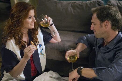 Detective Laura Diamond - Jake (Josh Lucas, r.) und Laura (Debra Messing, l.)...