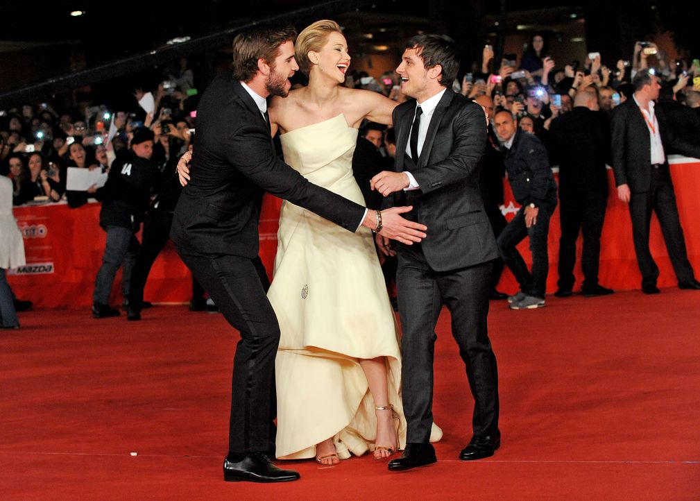 Liam-Hemsworth-Jennifer-Lawrence-Josh-Hutcherson-Catching-Fire-Premiere-Rom-13-11-14-AFP - Bildquelle: AFP ImageForum