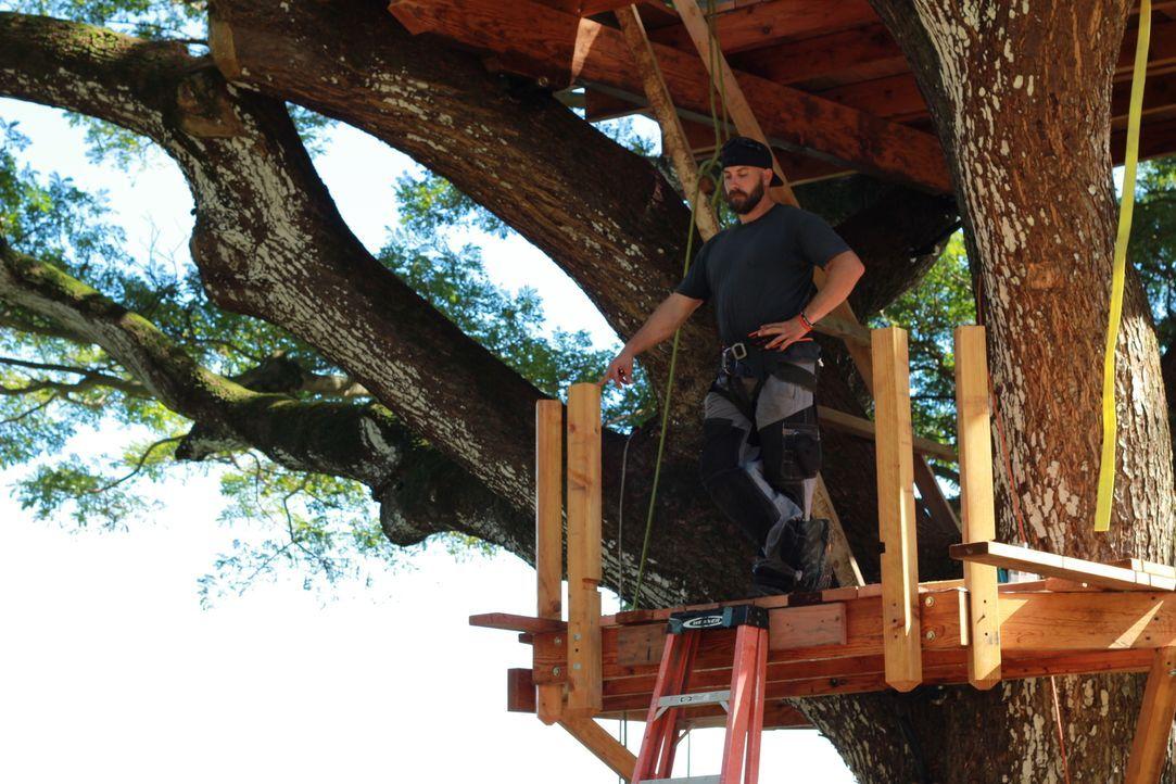"""Die Treehouse Guys James """"B'fer"""" Roth, Chris """"Ka-V"""" Haake (Foto) und ihre Baumhaus-Crew machen jeden noch so unmöglich erscheinende Baumhaus-Traum w... - Bildquelle: 2014, DIY Network/Scripps Networks, LLC. All RIghts Reserved."""