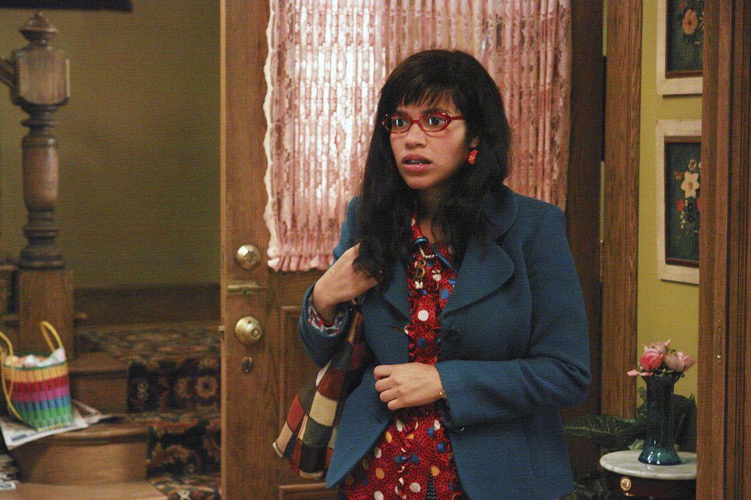 Betty (America Ferrera) und ihre Familie müssen nach Guadalajara reisen, um Ingacios Probleme mit der Einwanderungsbehörde zu lösen ... - Bildquelle: Buena Vista International Television