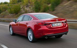 Mazda6_Sedan_2012_Paris_action_16__jpg300 5616 x 3744