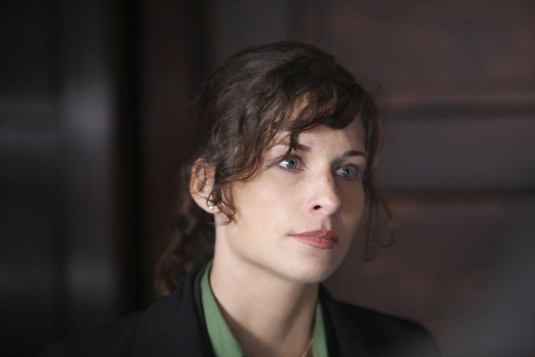 Ist etwas überfordert mit der Welt, in der sich Jacob bewegt: FBI-Agentin Frankie Miller (Holly Elissa Dignard) ... - Bildquelle: Nu Image