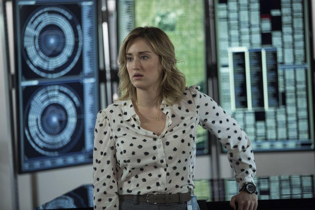 Als Weller und Jane auf einer Undercover-Mission spurlos verschwinden, muss Patterson (Ashley Johnson) in einem gnadenlosen Wettlauf mit der Zeit di... - Bildquelle: Warner Brothers