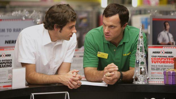 Leiden an Liebeskummer: Chuck (Zachary Levi, l.) und Casey (Adam Baldwin, r.)...