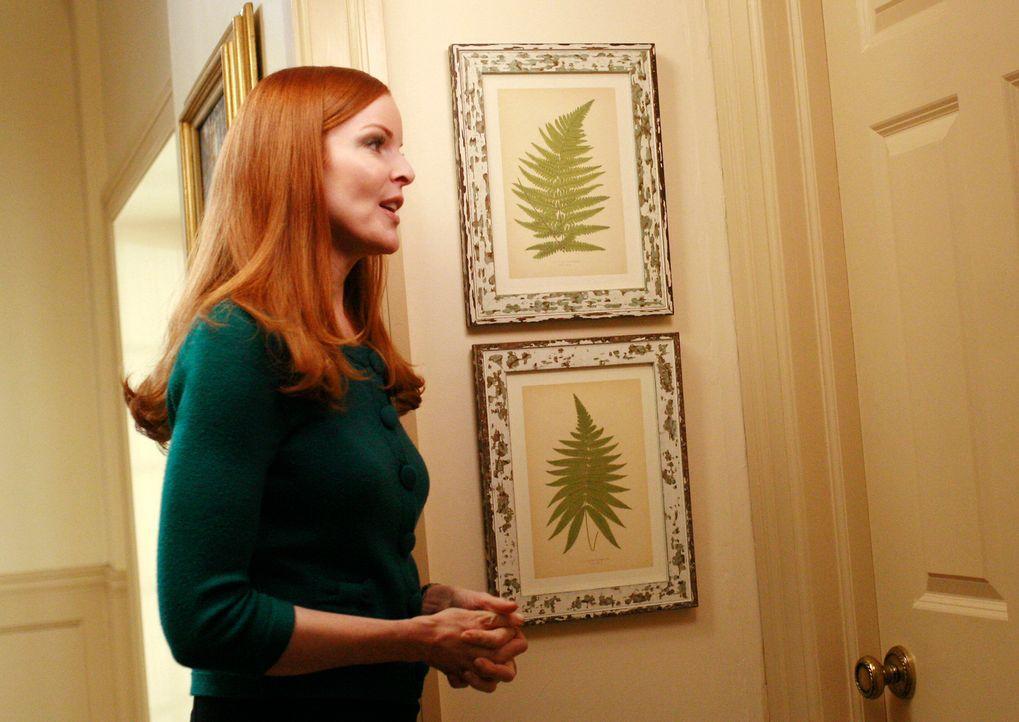 Während Bree (Marcia Cross) hofft, dass Silvia endlich aus dem Bad herauskommt, packt Gabrielle die Koffer, um mit Carlos die Stadt zu verlassen ... - Bildquelle: ABC Studios