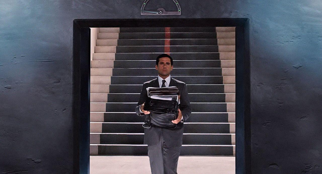 Als Analytiker ist er hervorragend, als Geheimagent allerdings völlig unerfahren: Eines Tages geht Maxwell Smarts (Steve Carell) sehnlichster Wunsc... - Bildquelle: Warner Brothers