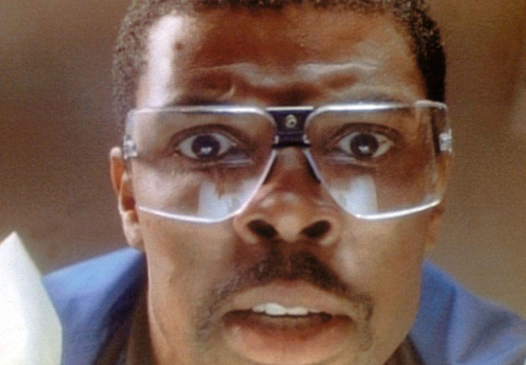Ein schwarzer Tag auch für Dr. Benton (Eric LaSalle): Seine Mutter stirbt. - Bildquelle: TM+  WARNER BROS.
