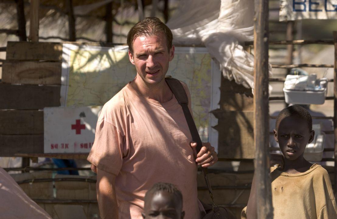 Mit dem Ziel, den Namen seiner toten Frau reinzuwaschen und das zu beenden, was sie angefangen hat, absolviert Justin Quayle (Ralph Fiennes) einen S... - Bildquelle: Epsilon Motion Pictures