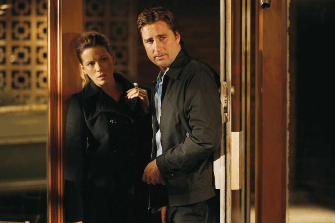 Das seit dem Tod des Sohnes in Scheidung lebende Paar David (Luke Wilson, r.) und Amy (Kate Beckinsale, l.) ist nach einer nächtlichen Autopanne ge... - Bildquelle: 2007 CPT Holdings, Inc. All Rights Reserved. (Sony Pictures Television International)