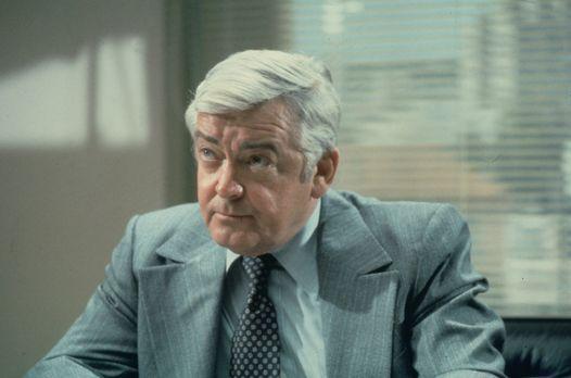 Quincy - Lt. Frank Monahan (Garry Walberg) von der Mordkommission der Polizei...