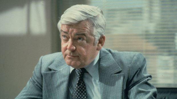 Lt. Frank Monahan (Garry Walberg) von der Mordkommission der Polizei von Los...