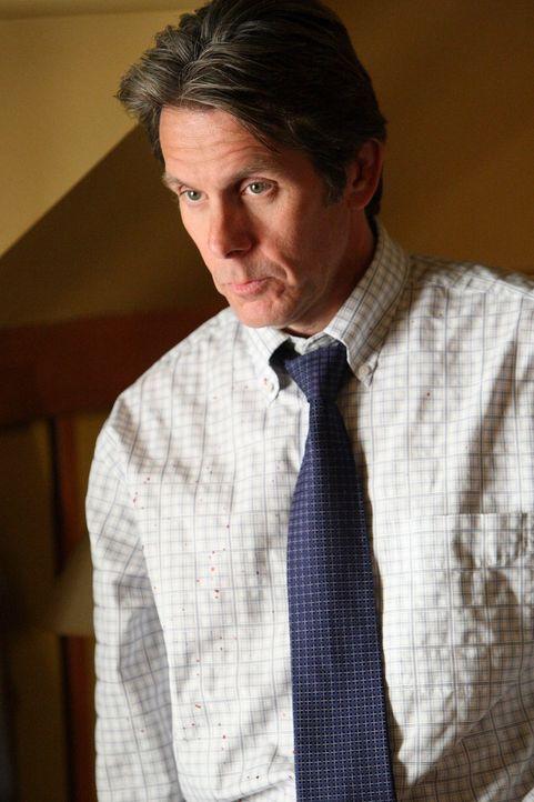 Katherine geht zur Polizei, um ihren Ex-Mann Wayne (Gary Cole) anzuzeigen, da er Adam entführt hat. Doch dort stößt sie allerdings erneut auf taube... - Bildquelle: ABC Studios