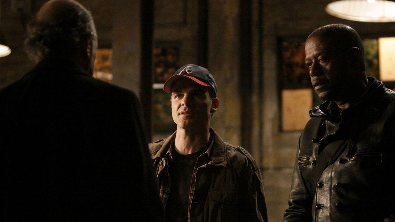 Ein neuer Fall beschäftigt Jack Fickler (Richard Schiff, l.), John (Michael Kelly, M.) und Sam (Forest Whitaker, r.) ... - Bildquelle: ABC Studios
