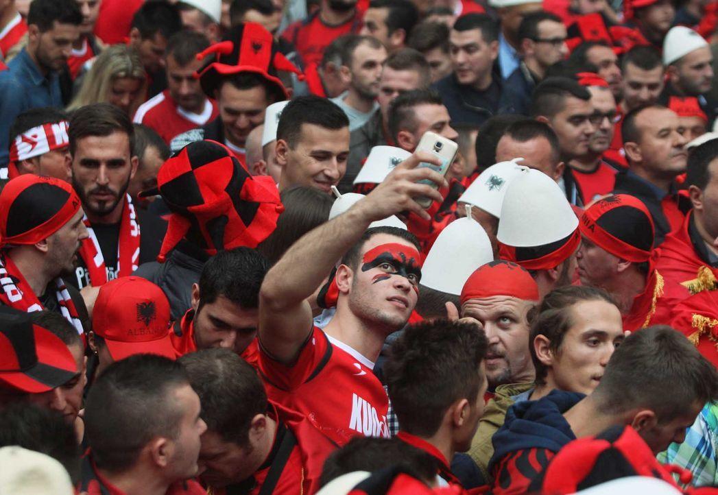 Fußball-Fan-Albanien-110902-2-AFP - Bildquelle: AFP