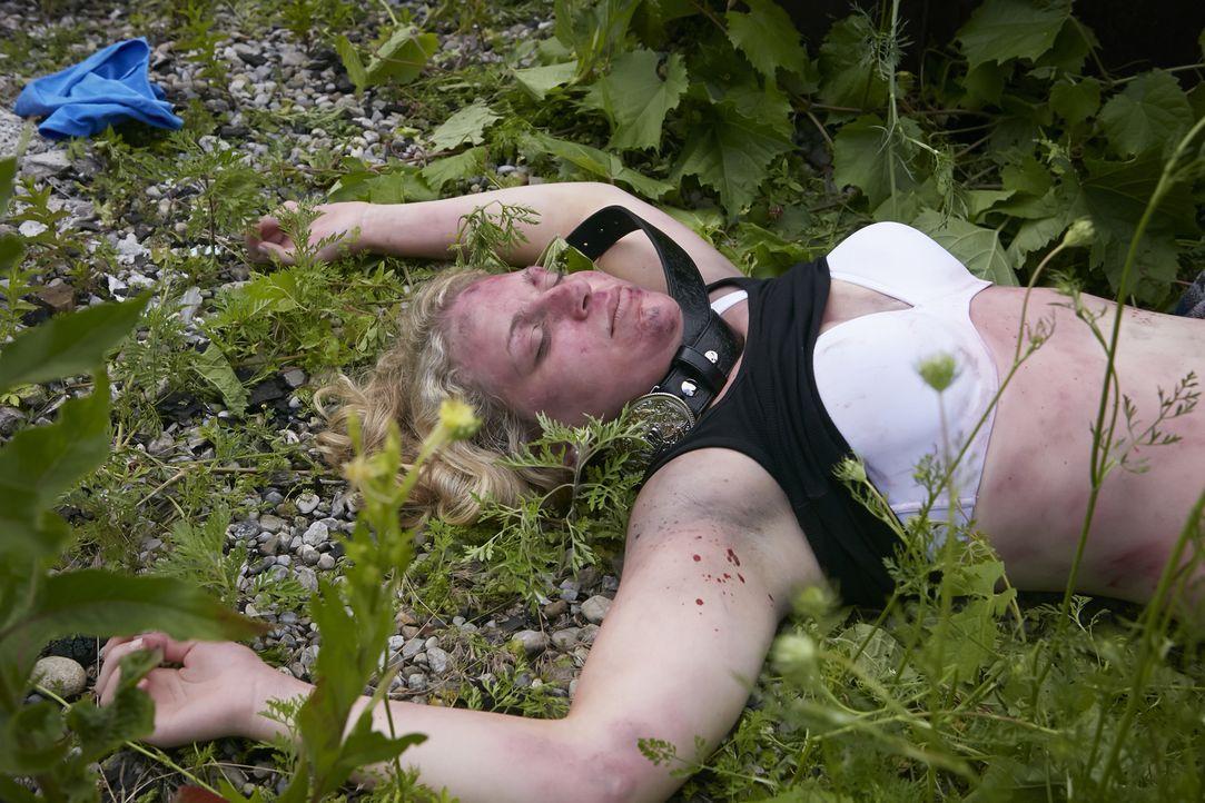 Die Country-Sängerin Melissa Haferman (Miranda Reynolds) wird ermordet aufgefunden, ausgerechnet kurz nachdem sie ihr neustes Album aufgenommen hatt... - Bildquelle: Ian Watson Cineflix 2014