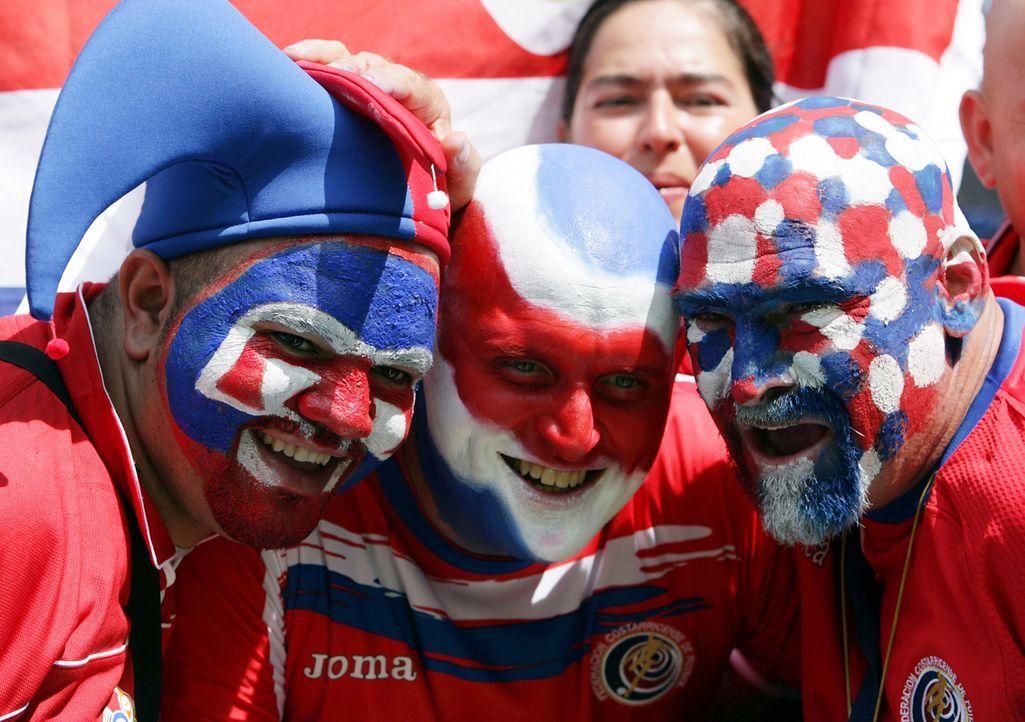 Fußball vereint - Bildquelle: dpa